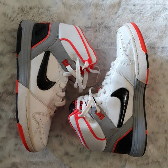 Nike Other - Nike| Mach Force High Top Basketball Sneakers